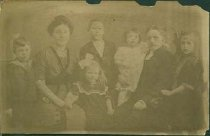 Image of Scandinavian American Portrait collection - Andeer family