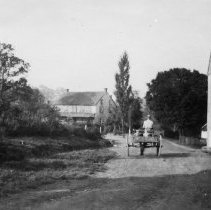 Image of Henry H. Halteman farm, Franconia Township, 1927
