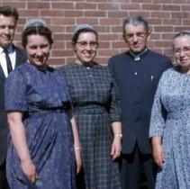 Image of Herbert & Lillian Godshall Derstine family, 1963