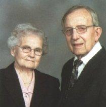 Image of Warren & Naomi Derstine Alderfer (interviewed 1984)