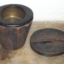 Image of 1987.011.0004 - Pot, Chamber
