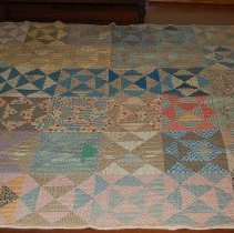 Image of 2012.024.0001 - Quilt