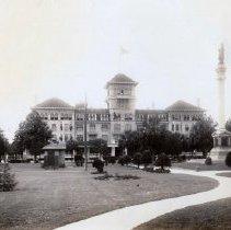 Image of Windosr Hotel and Hemming Park