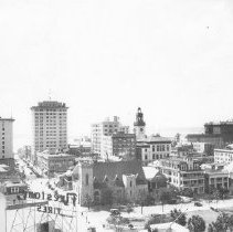 Image of 2003.001.006 - Downtown Jacksonville looking South, 1910s.