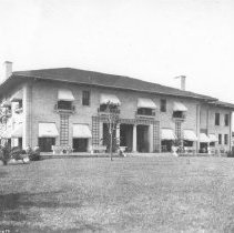 Image of 2003.001.113 - John L. Roe Residence
