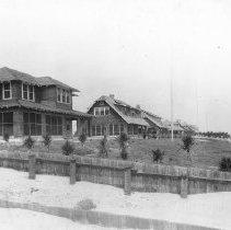 Image of 2003.001.120 - Beach Avenue homes, 1920s.