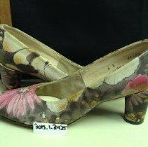 Image of Shoe, Pump - 2015.1.2425