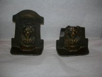 Image of book ends - 1994.028.0082