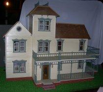 Image of Dollhouse - 2013.008.0001