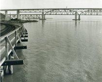 Image of Carquinez Strait Shoreline South of Railroad and Benicia/Martinez Bridges - 1999.011.0265