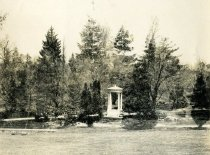 Image of Swan Pond - 2004.1.75