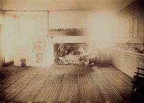 Image of Interior of Cedar Grove  1915 - 2004.1.777