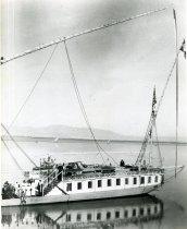 Image of John and Lydia Traveling  1889-1895 - 2010.11.2