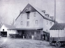 Image of Men and Wagons in Front of Cleaver Mill - 2010.3.7