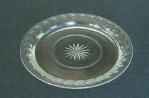 Image of Glass Dessert Plate - Glass dessert plate with stars in center & tulip wreath on rim.  Quantity 12.   Stable