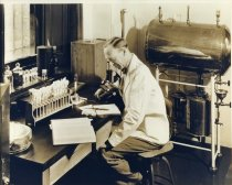 Image of Dr. H. H.York in the Lab at Compton  1933 - 2004.1.782