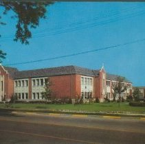 Image of Postcard - Practical Arts Building, Ball State Teachers College, Muncie, Ind.