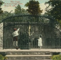 Image of Postcard - Bear Cage at McCullough Park, Muncie, Ind.
