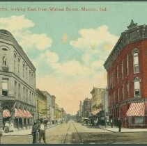 Image of Postcard - Main Street, looking East from Walnut Street, Muncie, Ind.