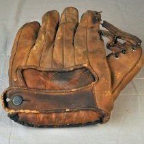 Image of Glove, Baseball