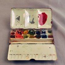 Image of Set, Paint