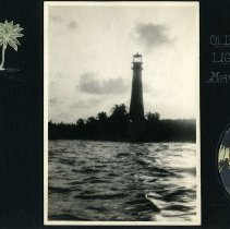 Image of Raymond White WW I Album, page 022