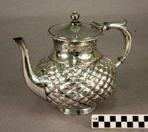 Image of 1982.107.2089 - Teapot