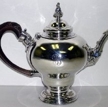Image of 1927.001.004 - Teapot