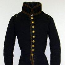 Image of 1938.014.001 - Coat