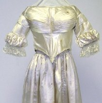 Image of 1964.019.003 - Gown