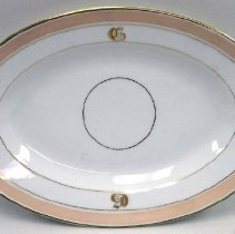 Image of 1974.008.067 - Serving Dish