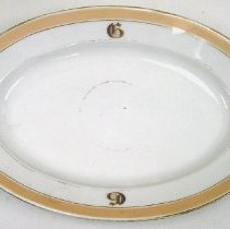 Image of 1974.008.068 - Serving Dish