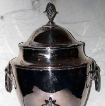 Image of 1975.017.006 - Tea/Hot Water Urn