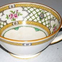 Image of 1975.017.044 a - Teacup