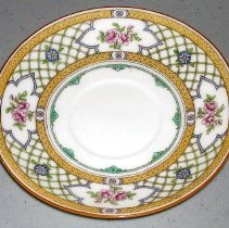 Image of 1975.017.044 h - Saucer