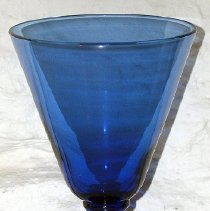 Image of 1975.017.179 b - Glass