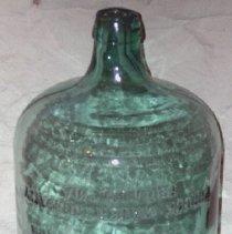 Image of 1975.017.283 - Bottle
