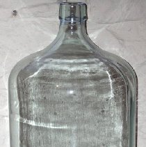 Image of 1975.017.285 - Bottle
