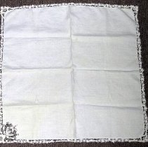 Image of 1975.017.355 a - Napkin