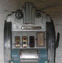 Image of 1975.017.405 - Machine, Slot