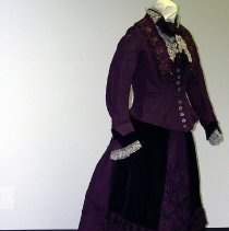Image of 1993.029.017 - Dress