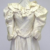 Image of 1994.040.001 - Gown, Wedding