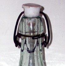 Image of 2008.026.001 - Bottle