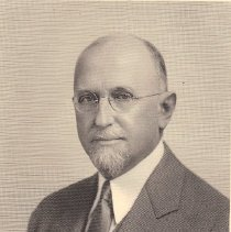 Image of William R. Gentry Grand Master 1930-1931 - 2012.12.305