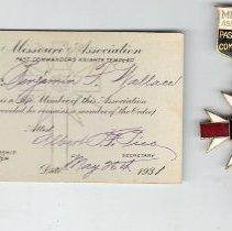Image of Missouri Association of Past Commanders Kt jewel and membership card. - 2015.1.44