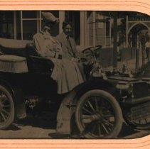 Image of Tintype: Lewis Kaler & journalist Zoë Beckley in 1-cylinder Cadillac, 1905