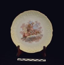 Image of Decorative plate 1972.01.03.02 with scale