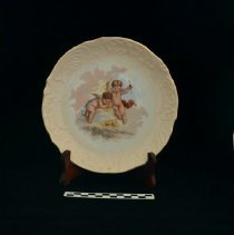 Image of Decorative plate 1972.01.03.04 with scale