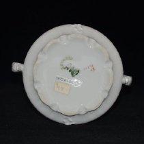 Image of Base & maker's mark of sugar bowl 1972.01.04a