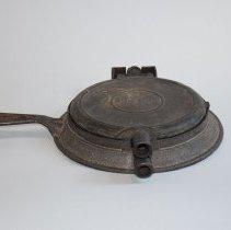 Image of Iron, Waffle